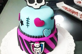 Torta de Monster High en Envigado, Dulcepastel.com