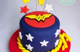 torta mujer maravilla envigado dulcepastel