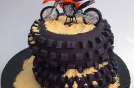 torta moto KTM medellin dulcepastel